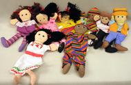 International puppet set